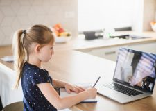 Quatro apps que melhoram as aulas na educação a distância