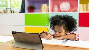 Conheça a iniciativa da Apple que ajuda professores a elevar o nível de aprendizagem de seus alunos durante o ensino remoto